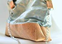 Sacs de créateur Shirley Ze Pap / Vous aimez les sacs féminins, originaux et élégants ? Vous courez toute la journée en changeant de styles et de responsabilités ? Voici mes beaux sacs fait-main en France, personnalisés ou en pièce unique. En plus du simili cuir, j'aime travailler des matières nobles et innovantes, vous trouverez des sacs en cuir de liège résistants, des sacs en toile de coton enduit à la cire d'abeille naturelle etc.