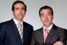 Equipo FEMM - FEMM Team / Clínica líder en Madrid (España) en cirugía plástica y en medicina estética. Cuenta con unidades de obesidad, capilar, maxilofacial y ginecoestética. Ofrecemos excelencia, calidad y resultados naturales. ¡¡Siéntete en las mejores manos!! Leading clinic in Madrid (Spain) in plastic surgery and aesthetic medicine. It has units of obesity, capillary, maxillofacial and gyno aesthetics. We offer excellence, quality and natural results. Feel in the best hands !!