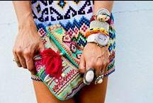 Princesse aztèque / La mode aztèque, colorée et géométrique, nous métamorphose en princesse ethnique des temps modernes.