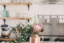 Cuisines atypiques et originales / Les cuisines qui me font rêver sont atypiques ... Elles m'inspirent la nature, le bois, l'intimité ou, au contraire, sont modernes et graphiques !