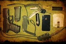 EDC every day carry / All the stuff you should have on your person at all times / by Mike Pomeroy