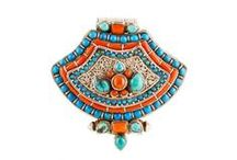 Zilveren Sieraden uit Tibet / Zilveren sieraden met de handgemaakt door edelsmeden uit Tibet.