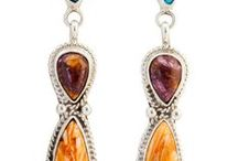 Zilveren Indianen Sieraden met Edelstenen / Unieke zilveren sieraden van de Indianen. Deze sieraden zijn slechts één keer met de handgemaakt en daardoor zeer bijzonder en uniek.