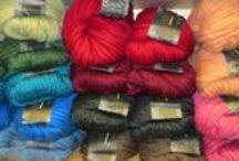 "Magnum / Magnum  Fiber:100% Peruvian Highland Wool Yardage:250 g (8.82 oz) / 123 yds (112.5 m) Gauge:6 - 8 sts = 4"" (10 cm) on US 15 - 17 (10.0 - 12.0 mm) needles Wash:Hand Wash Cold, Lay Flat to Dry"