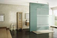 Mamparas Cristal Fijo / Mamparas de ducha minimalistas con cristales de 8mm. Posibilidad de cristal transparente o frost, ademas de poder añadir un vinilo decorativo.