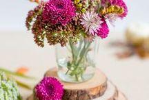 Dekoration: Blumen / Ohne Blumen geht es nicht! Entdeckt die schönsten Sträuße und Blumenvariationen, die den eigenen vier Wänden den letzten Schliff verleihen. In der Vase oder im Topf: Blumen in all ihren Farben bringen immer eine besondere Stimmung in die Wohnung. Hier gibt es selbstgebundene Sträuße oder vom Floristen zu sehen.