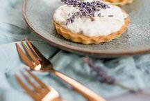 Lavendel Rezepte / Nicht nur der schöne Duft von Lavendel verdreht uns die Köpfe, sondern auch auch der Geschmack! Lavendel eignet sich wunderbar zum Backen und Kochen. Entdecke leckere Rezepte rund um Lavendel.