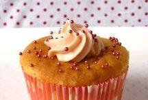 We love cupcakes! / Cupcakes zijn heerlijk! Leuk om te maken en natuurlijk op te eten met kinderen. Ook voor feestjes!