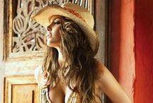 Sexy Cowgirls