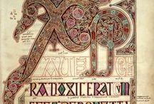 Evangéliaire de Lindisfarne / Les évangiles de Lindisfarne sont l'un des plus beaux manuscrits enluminé du début du Moyen Âge. Cet ouvrage fut réalisé au monastère de Lindisfarne sur une île située au nord de l'actuelle Angleterre, à la fin du VIIe siècle par un moine nommé Eadfrith.