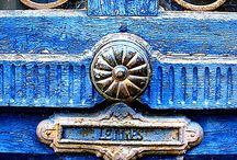colour {blue}