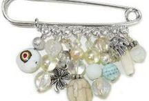 Broches / Allerlei broches, spelden en andere hippe eyecatchers om kleding of tassen mee op te fleuren!