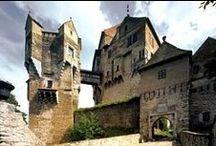 CZ:  ,,PÁNI Z PERNŠTEJNA,, / Hrad Pernštejn - středověký  goticko - renesanční  krasavec  -  je moje srdeční záležitost. Všechny obrázky na této nástěnce se týkají rodu Pernštejnů a dalších majitelů hradu .