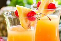 Alkoholische Getränke / Kalte Getränke für die Gartenparty Selbstgemachte Liköre