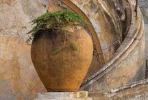 Urns Pots Planters