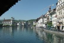 Lucern / Švýcarské město ležící u stejnojmenného jezera Lucern.