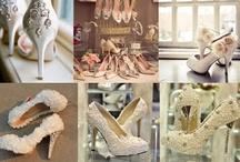 For the Bride / Braut wird als eine absolute Prinzessin bei der Hochzeit und von fast allen Anwesenden bemerkt. Manchmal rührt der Bräutigam sogar zu Tränen, wenn die Braut mit einem wunderschönem Kleid vor ihm steht.