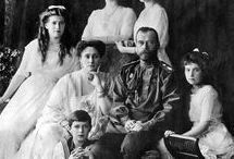 Formal pictures /  Tsar Nicholas ll. of Russia and his family in formal pictures
