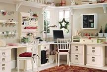 Craft room inspiration / Always dreaming of the perfect sewing & craft room? Here's some yummy inspiration.