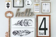 Wall Decor Arrangements / Ideas for hanging and arranging multiple pieces of artwork.