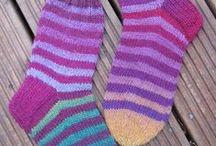Omat neulomukset / Omia neulomuksia, enemmän näistä voi lukea osoitteessa handmadebyainop.blogsopt.fi