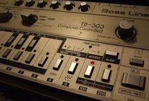 TB-303 / ベースマシン 楽器