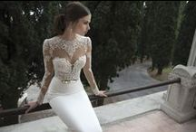 Berta / Berta's avant-garde designs have taken over the bridal world by storm. Her artistic approach to bridal fashion have managed to surprise even the most veteran fashion editors and bloggers. Her collections are considered among the most praised and anticipated in the world.