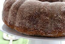 BUNDT BY ANY OTHER NAME IS STILL A CAKE / Bundt and pound cake