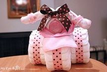 How To: Tricycle Diaper Cake Centerpiece / DIY Baby Shower Gift Idea: Tricycle Diaper Cake Centerpiece