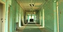 Abandoned Places / Pictures of beautiful (or creepy) abandoned places