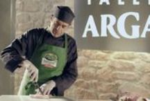 ARGAL - BANZAI STUDIO BARCELONA - www.banzaistudio,tv / Rodaje y construcción de decorados en Banzai Studio de los distintos spots de Argal: Taller, Creta Granjas y Bonnatur. La mayor dificultad fue construir la enorme, preciosa y pesada mesa-mostrador que  debía ir con ruedas para desplazarla, pero que no debían verse lo más mínimo.  Productora: Oxígeno NMP  Director de Arte: Cesar Martínez Edo   https://www.youtube.com/embed/8ALZFQ0jrgc https://vimeo.com/64790192 https://vimeo.com/64790191  www.banzaistudio.tv