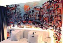 Chiel van Zelst @WestCord Art Hotel / Unieke muurschilderingen van Chiel van Zelst in de kamers van WestCord Art Hotel. Amsterdamse stadsgezichten