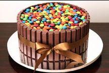 Kit-Kat Cakes / Inspiração em diversos artistas e ateliers de cake design do Brasil e do mundo.