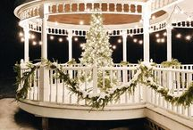Christmas / Christmas, Christmas decor, holiday decor, baking, outdoor decor, Christmas trees, Christmas gift ideas, tablescapes, & cozy interiors
