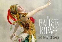 Ballets Russes / Wereldberoemd balletgezelschap, opgericht door Serge Diahilev. Trad tussen 1909 en 1929 op in West-Europa. Bekendste choreografen: Michael Fokine, Vaslav Nijinksy, Léonide Massine, Bronislava Nijska en George Balanchine.