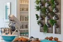 Kitchen Decor and Designs / Creative kitchen decor and designs to suit anyone's lifestyle!