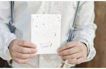 Winter Styleshooting / Goldener Winter mit rustikalem Charme - ein Hochzeitstraum zur Weihnachtszeit fotografiert von Patricia Hau mit der Hochzeitspapeterie von www.carte-royale.com.