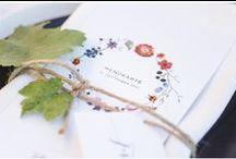 Weingut Styleshooting / Eine traumhafte Hochzeit in den Weinbergen fotografiert von Veronika Anna Fleischmann mit der Hochzeitspapeterie von CARTE ROYALE. Floristin: Immergrün Würzburg