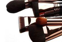Highlight and Contour / Shop >>> bit.ly/facearchtw  #strobe #sculpt #define