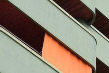 Las Fachadas, Las Puertas y Las Escaleras
