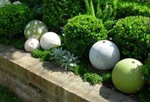 Dekory; Rzeźby; / Różne elementy dekoracyjne do ogrodu. Rzeźby, płaskorzeźby, donice; Planters, sculptures, decoration;