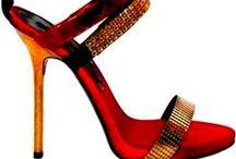 ZAPATOS, BOTAS Y SANDALIAS. / Botas, botines, zapatillas, plataformas, huaraches, sandalias, sencillos, elegantes, sexys, glamour... estilos, temporadas... colores... Yo amo los zapatos!!! Bienvenidas!! / by Suly Ramirez