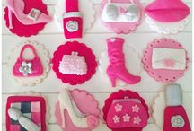 Cake Cupcake Toppers Decorations for Girls / Baby Shower Cake Decorations Cupcake Toppers  Decorations for Girls Gem Cakes of Liverpool Edible Cake and Cupcake decorations for girls Pink  Baby Shower Christening Birthday  Party Shoes Handbags Makeup Lips Girly