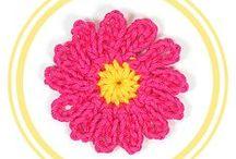 FLORES DE CROCHET / Patrones gratuitos de Flores tejidas a crochet con Diagrama incluído, 100% en español.