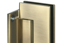 Hinges, Hardware & Finishes / Complete your look.