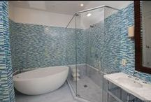 Create a Bathroom Retreat / Relax after a long day in these gorgeous bathrooms.