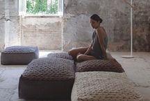 Floor.pillows.