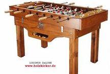Holzkicker - Tischfussball aus massivem Holz / Handgefertigte Kickertische aus Vollholz Nostalgischer Tischfußball Mit oder ohne Münzeinwurf robust – massiv – edel – schön