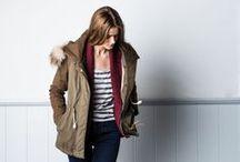 Jesień/zima 2013 - dla kobiet / W tym sezonie firma Lee® Jeans uwodzi współczesnego pracownika, oferując kobietom udoskonaloną niezbędną garderobę, stawiając na prosty krój, ustrukturyzowany fason i kobiece tkaniny. Cel nadrzędny to wygoda i styl, a także radosne wzory i soczyste odcienie od góry do dołu.