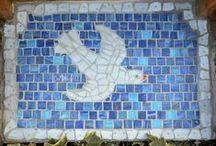 """mosaico e """"finto mosaico"""" / le infinite applicazioni, classiche e moderne, di una tecnica antica come il mosaico, fino ad arrivare al """"finto mosaico"""" ottenuto con la pittura o altre tecniche come per esempio il collage"""
